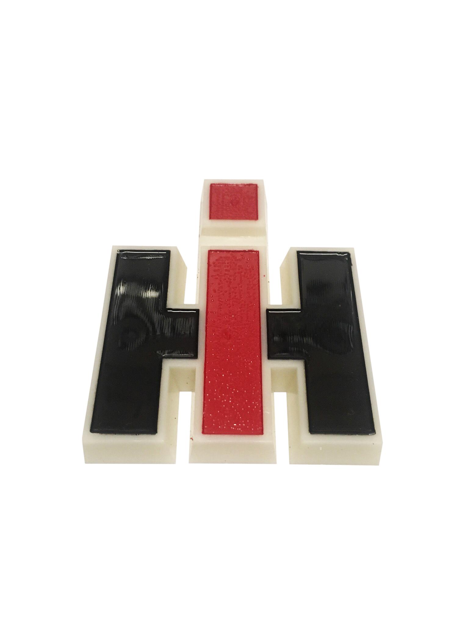 Emblem 120397C1 * Logo Firmenlogo weiss für Case IHC 323-1246  Vergl.nr